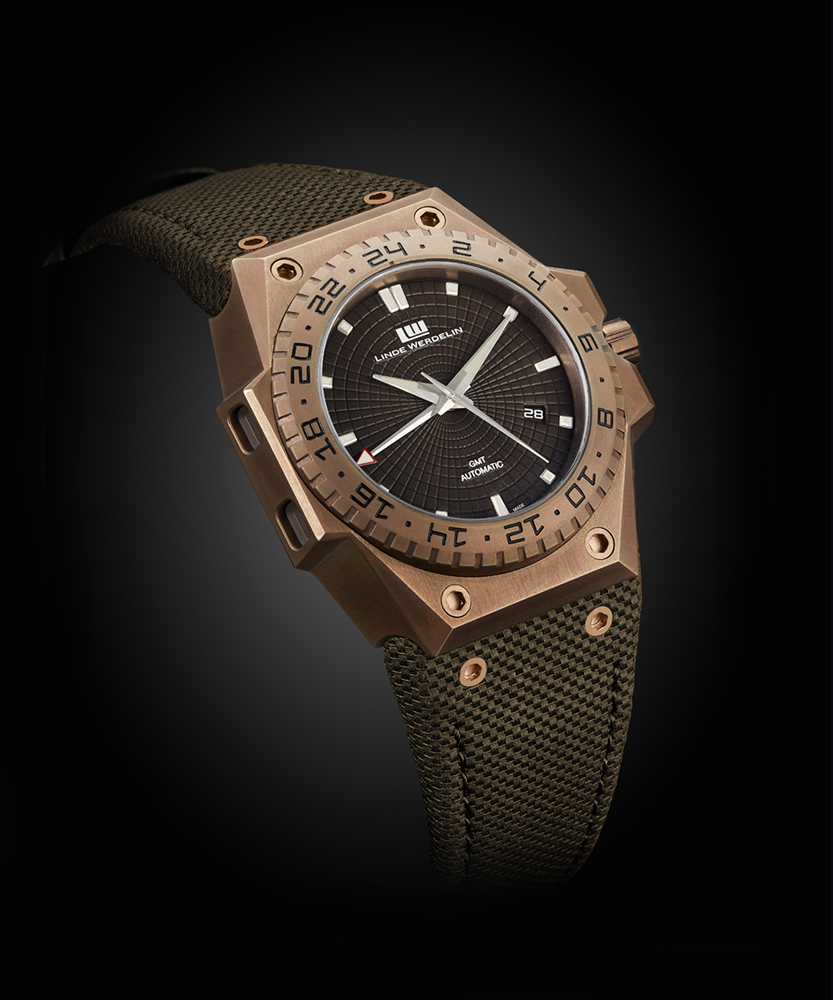linde_werdelin_x_tblack_-_3_timer_chocolate_-_oblique_-_web_resolution_0.jpg